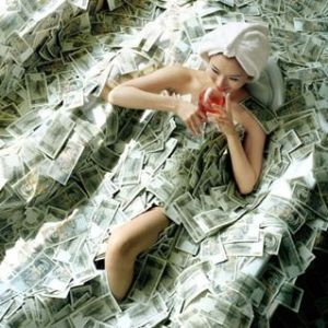Rich Woman Batching in Money